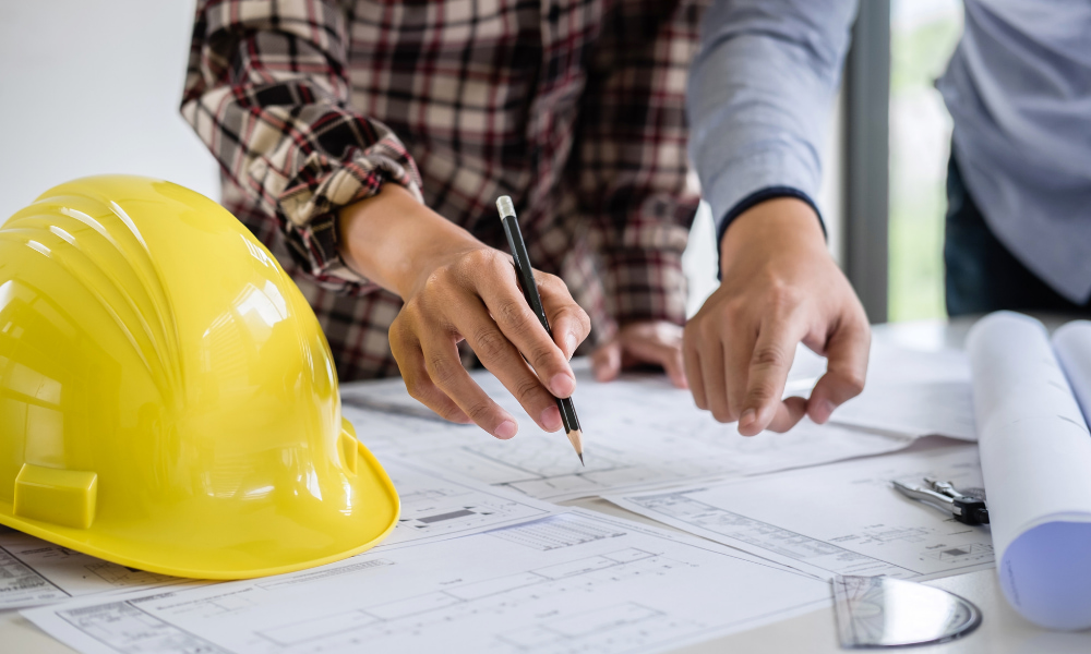 contractor planning how to spend tenant improvement allowance with landlord